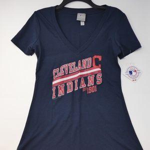 Cleveland Indians Women's V-neck T-Shirt Sz M